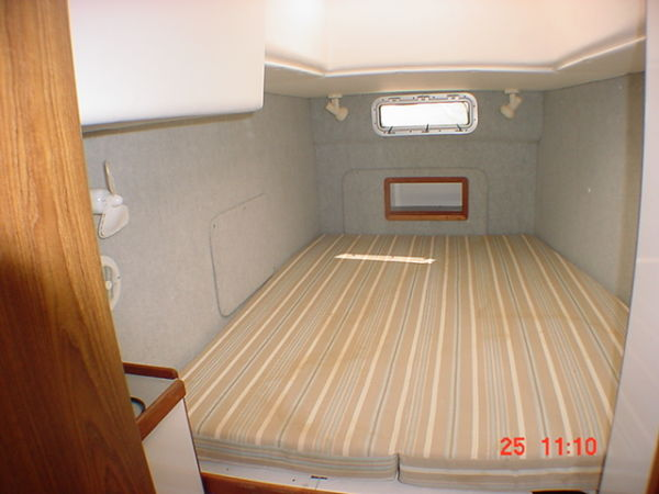 Used Sail Catamaran for Sale 1997 Endeavour 36 Layout & Accommodations
