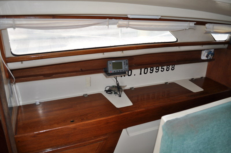 Preowned Sail Catamarans for Sale 2000 Gemini 105Mc Layout & Accommodations