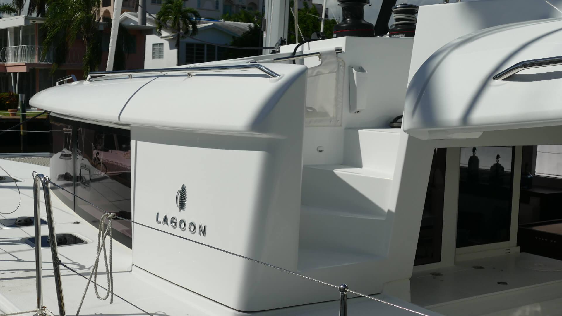 2019 LAGOON HULL 736