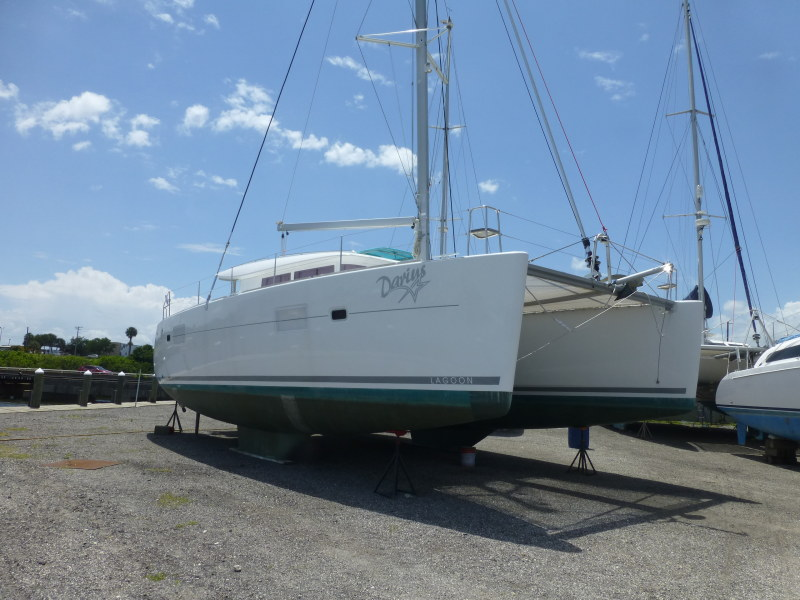 Used Sail Catamaran for Sale 2010 Lagoon 400 Boat Highlights