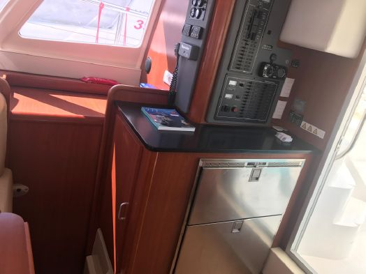 Used Power Catamarans for Sale 2012 Leopard 39 PC Electronics & Navigation