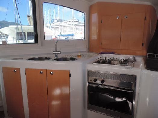 Used Sail Catamaran for Sale 2009 Lavezzi 40 Layout & Accommodations