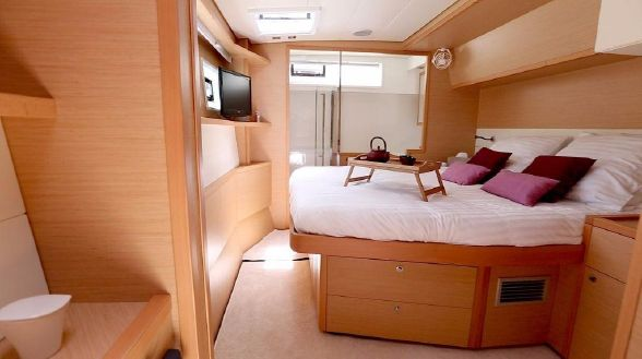 Used Sail Catamarans for Sale 2014 Lagoon 52 Layout & Accommodations