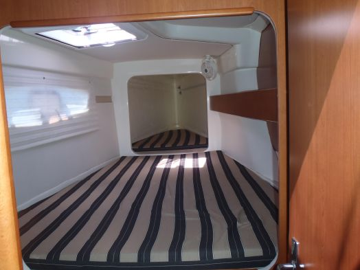 Preowned Sail Catamarans for Sale 2014 Leopard 39 Layout & Accommodations
