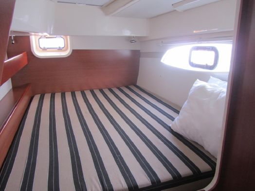 Used Sail Catamarans for Sale 2012 Leopard 39 Layout & Accommodations