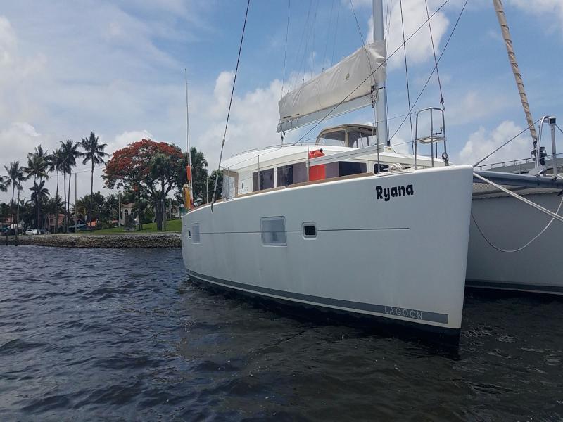 Used Sail Catamaran for Sale 2012 Lagoon 400 Boat Highlights