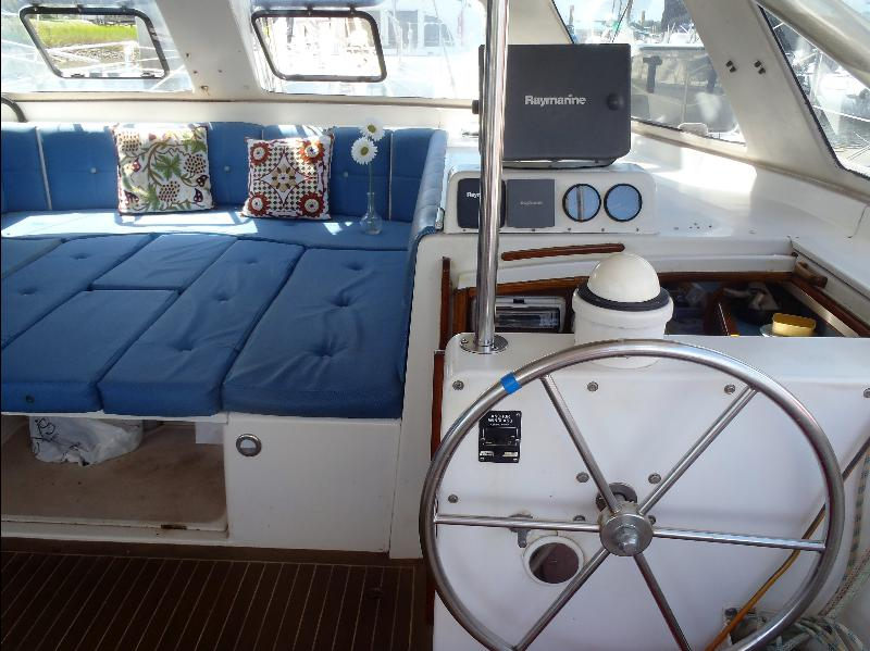 Preowned Sail Catamarans for Sale 2000 Seawind 1000 Layout & Accommodations