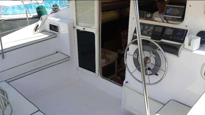 Used Sail Catamaran for Sale 1999 Gemini 105M Deck & Equipment