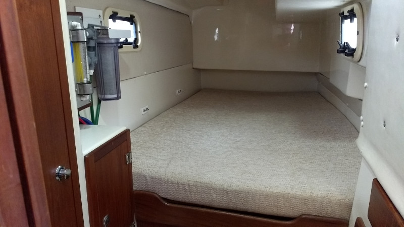 Used Sail Catamaran for Sale 2008 Gemini 105Mc Layout & Accommodations