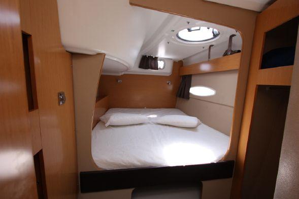 Used Sail Catamaran for Sale 2012 Lipari 41 Layout & Accommodations