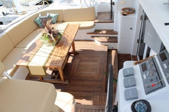 Used Sail Catamaran for Sale 1999 Simonis 65 Deck & Equipment