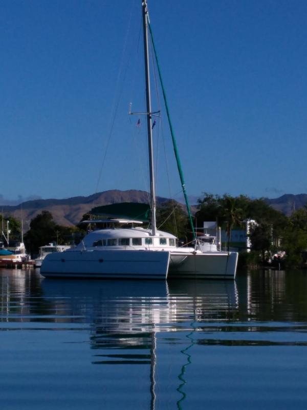 Used Sail Catamaran for Sale 2000 Lagoon 380 Boat Highlights
