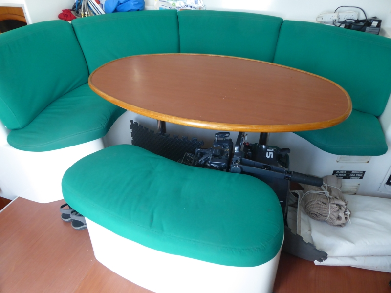 Used Sail Catamaran for Sale 2000 Lagoon 380 Layout & Accommodations
