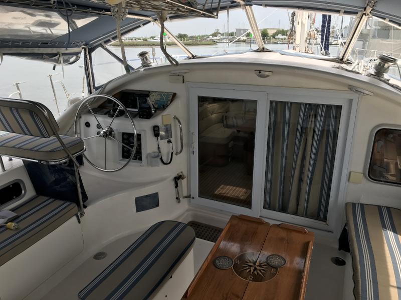 Used Sail Catamaran for Sale 2002 Dean 440 Deck & Equipment