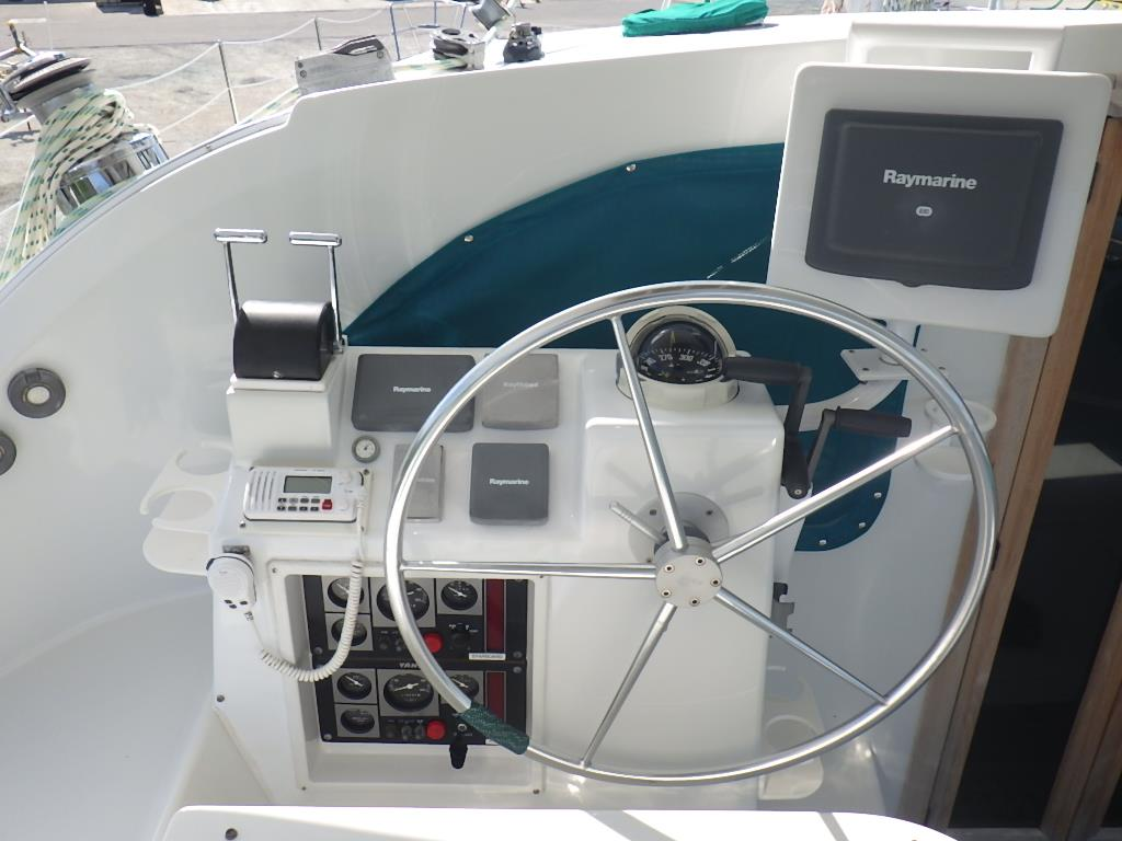 Preowned Sail Catamarans for Sale 1999 Privilege 465 Electronics & Navigation