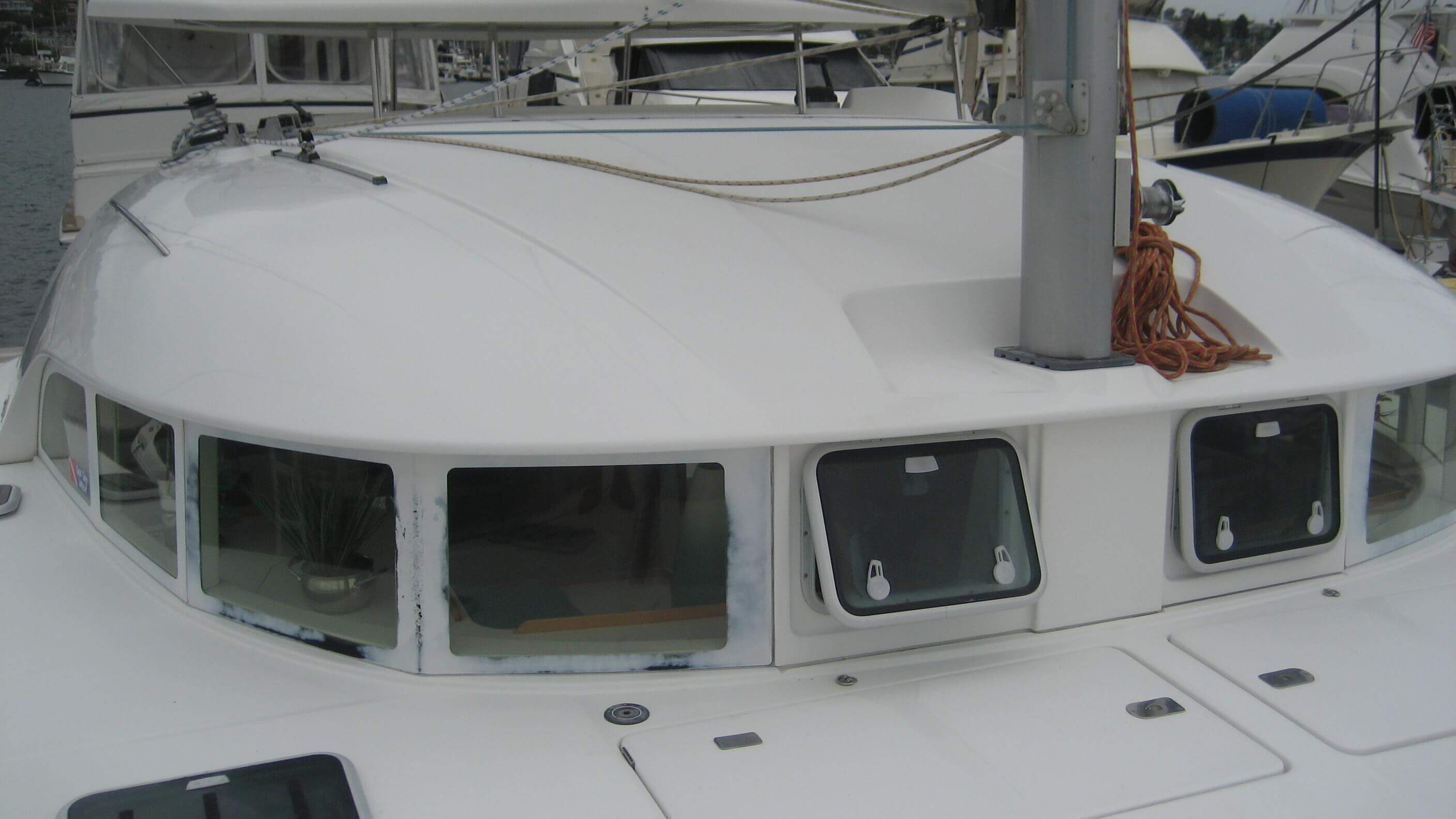 Used Sail Catamaran for Sale 2001 Lagoon 380 Boat Highlights