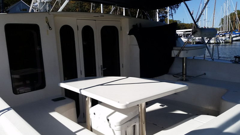 Used Sail Catamarans for Sale 2000 Leopard 38 Layout & Accommodations