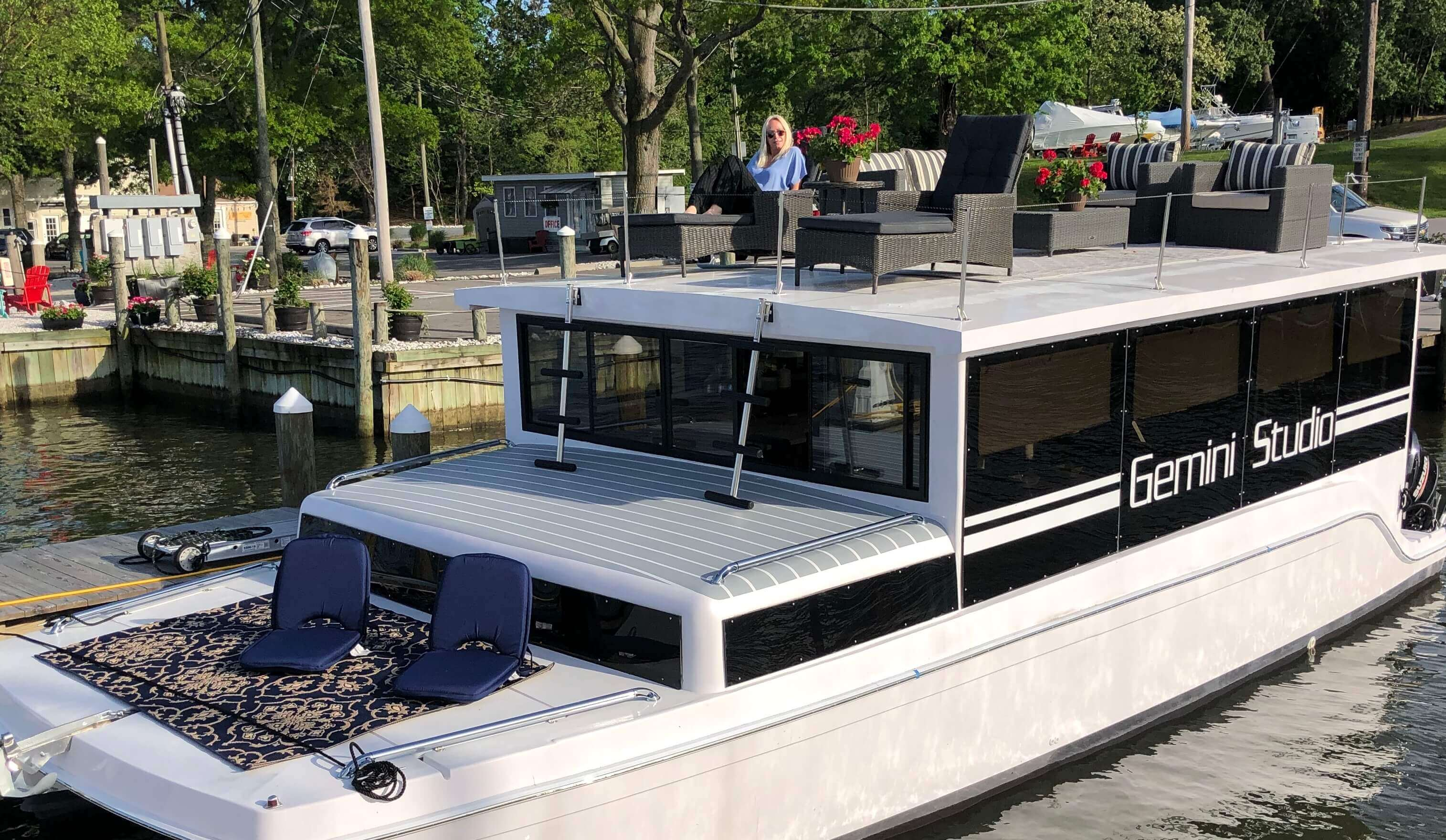 New Power Catamaran for Sale 2020 Freestyle Studio Boat Highlights