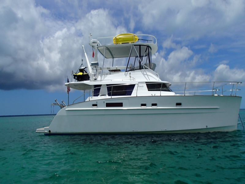 Used Power Catamaran for Sale 2008 Cumberland 46 Boat Highlights