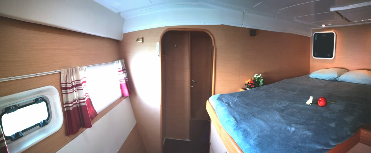 Used Sail Catamaran for Sale 2008 Lagoon 420 Layout & Accommodations