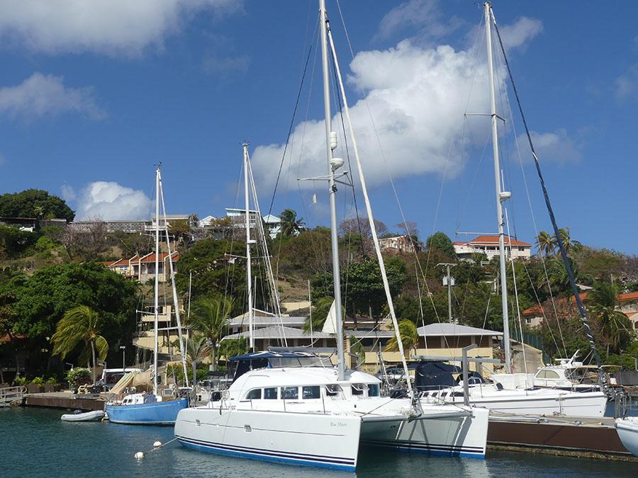 Used Sail Catamaran for Sale 2004 Lagoon 380 Boat Highlights