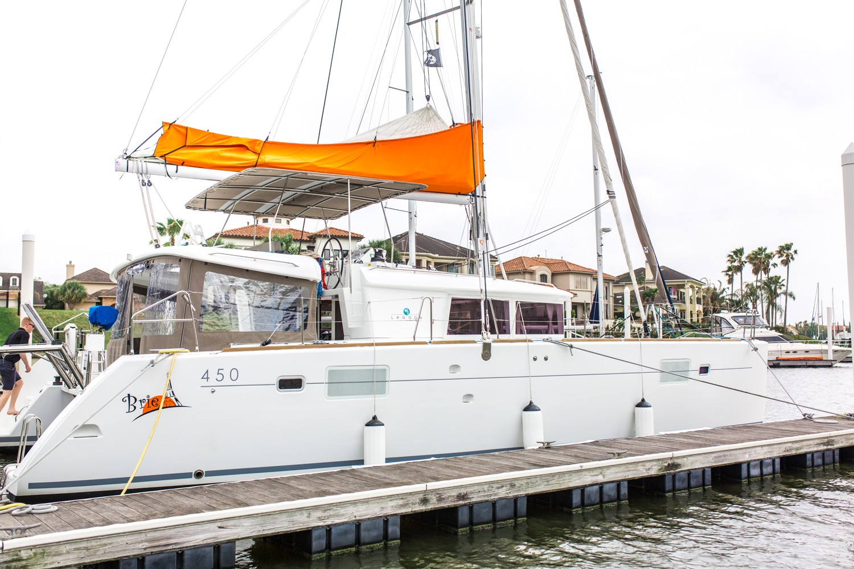 Used Sail Catamaran for Sale 2015 Lagoon 450 Boat Highlights