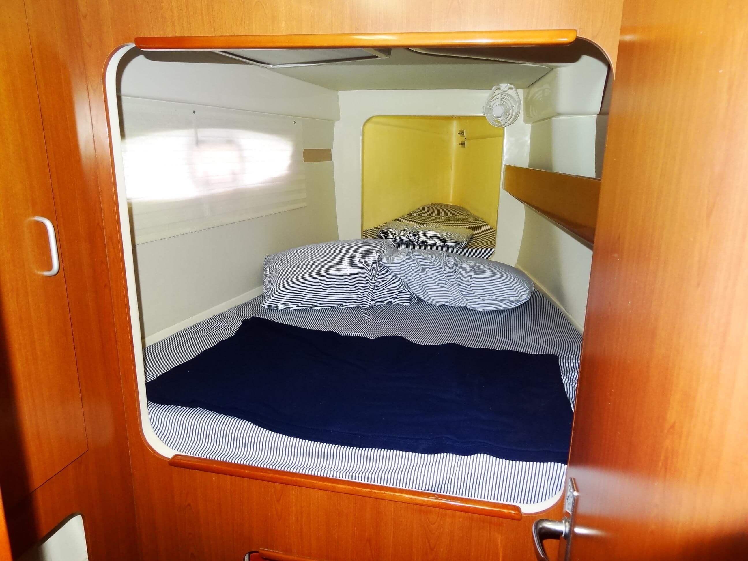 Used Sail Catamaran for Sale 2015 Leopard 39 Layout & Accommodations