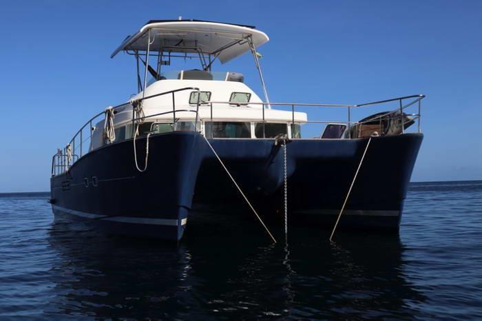 Used Power Catamaran for Sale 2004 Lagoon 43 Power