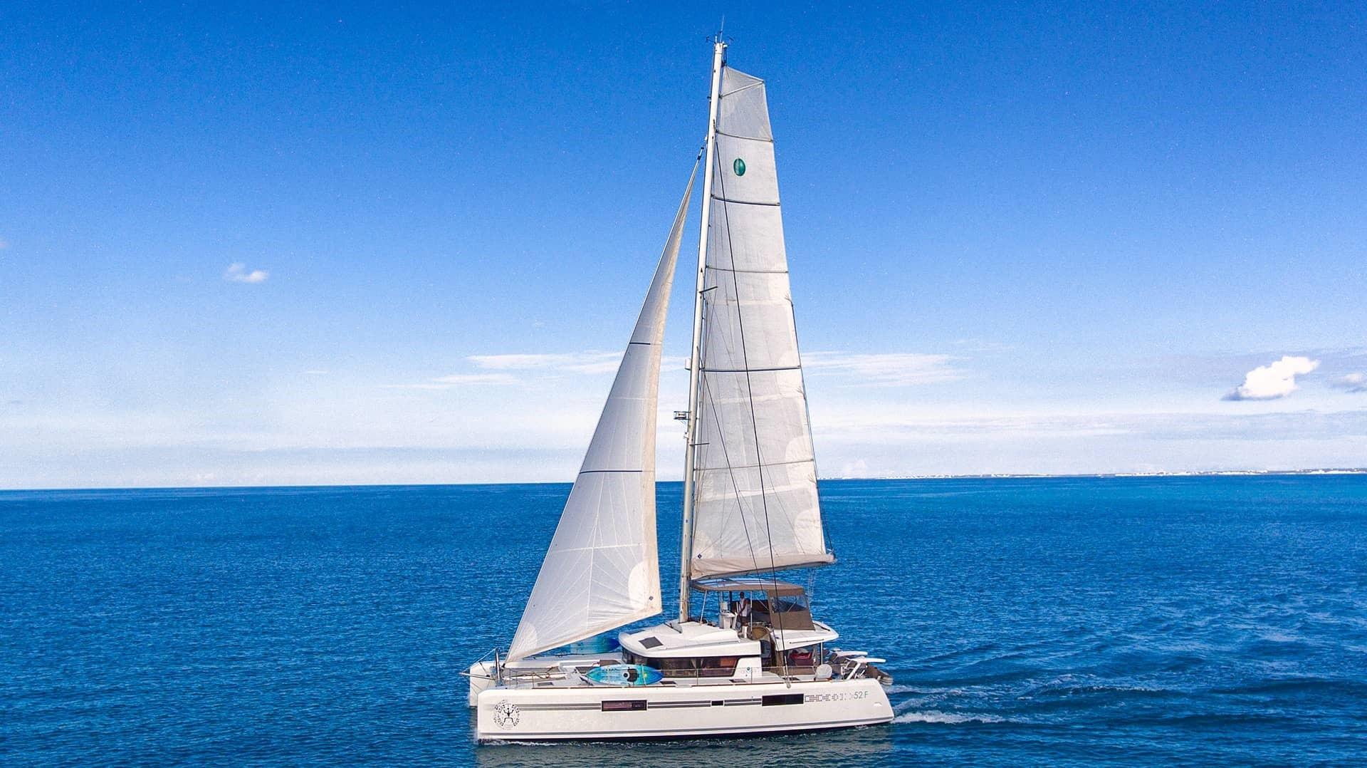 Used Sail Catamaran for Sale 2017 Lagoon 52 F