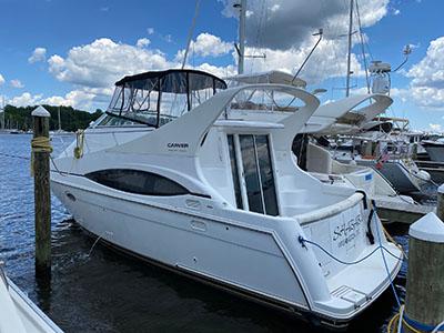 Used Power Catamarans for Sale 2001 350 Mariner
