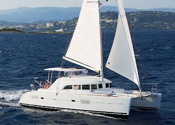 Catamaran for Sale Lagoon 380  in Belleville France BROCHURE-LAGOON 380  Vessel Summary Brochure Sail
