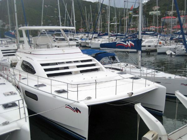 Preowned Power Catamarans for Sale 2007 Leopard 47 PC