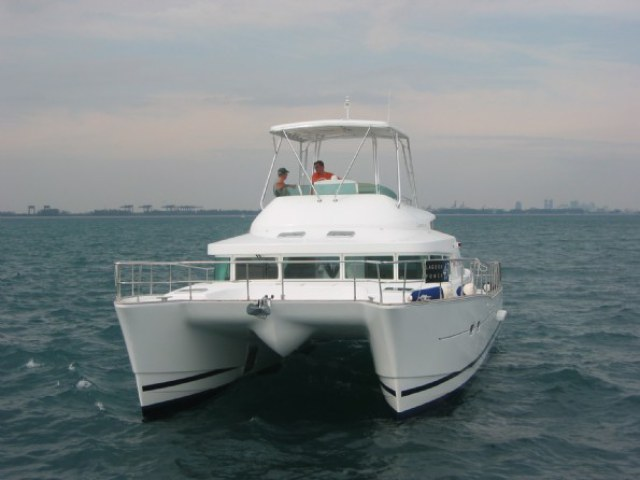 Catamarans KYLA DAY, Manufacturer: LAGOON, Model Year: 2004, Length: 43ft, Model: Lagoon Power 43, Condition: Used, Listing Status: Catamaran for Sale, Price: USD 330000