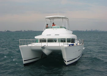 Catamarans KYLA DAY, Manufacturer: LAGOON, Model Year: 2004, Length: 43ft, Model: Lagoon Power 43, Condition: USED, Listing Status: Catamaran for Sale, Price: USD 299000