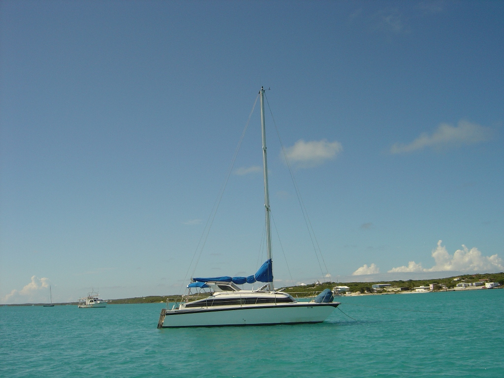 SOLD Gemini 3200  in Long Island Bahamas LARUS Vessel Summary Preowned Sail