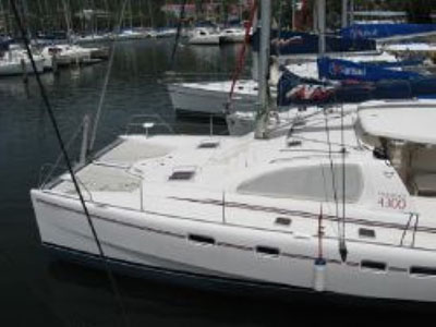 Catamarans LAST DANCE, Manufacturer: ROBERTSON & CAINE, Model Year: 2006, Length: 43ft, Model: Leopard 43 , Condition: Used, Listing Status: SOLD, Price: USD 240000