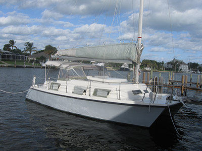 Catamarans BERCEUSE, Manufacturer: ENDEAVOUR, Model Year: 1990, Length: 28ft, Model: Intercat, Condition: Used, Listing Status: SOLD, Price: USD 49900