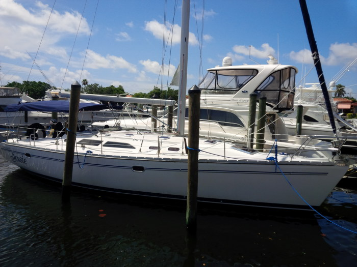 Preowned Sail Catamarans for Sale 2006 Catalina 400mkII
