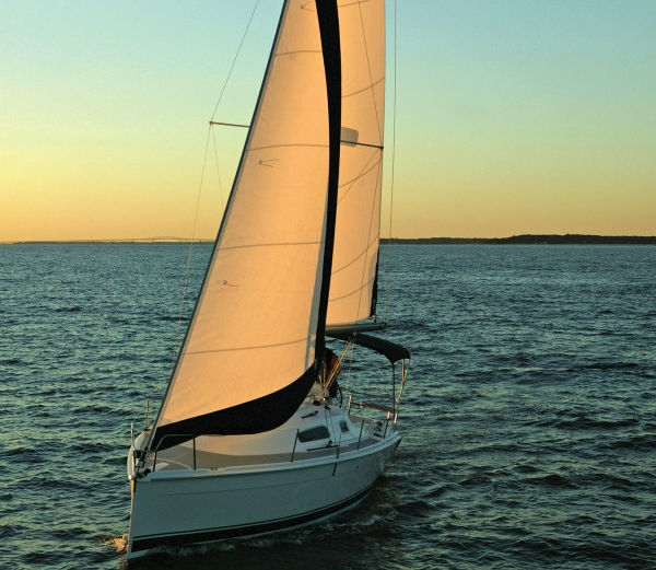 Preowned Sail Catamarans for Sale 2013 Hunter 27