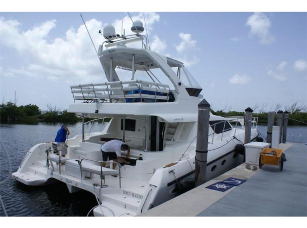 Preowned Power Catamarans for Sale 2006 Africat 420