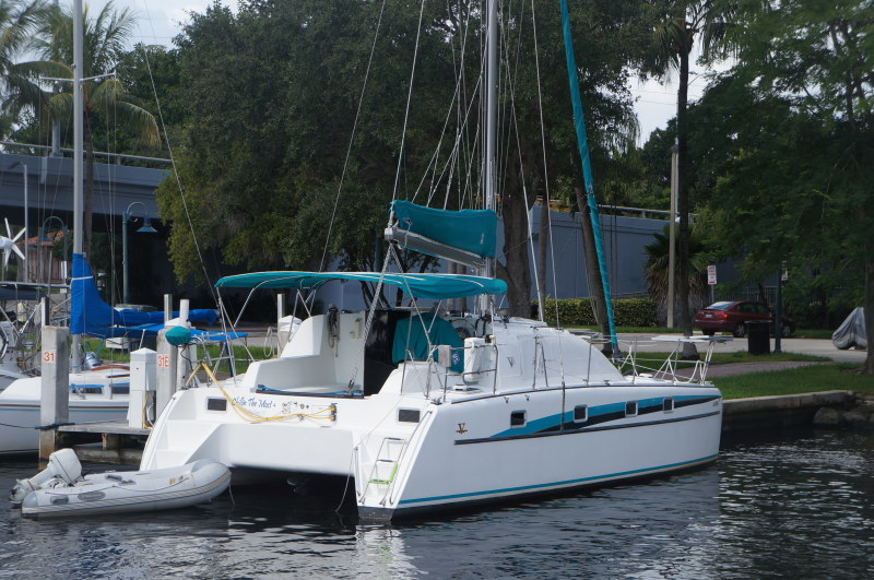 Catamarans CHILLIN THE MOST, Manufacturer: VICTORY, Model Year: 1998, Length: 35ft, Model: Victory 35, Condition: Used, Listing Status: Catamaran for Sale, Price: USD 144000