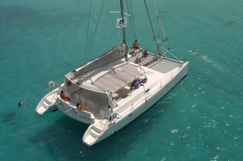 Catamarans SILVER MOON 11, Manufacturer: VOYAGE, Model Year: 2002, Length: 45ft, Model: DC45, Condition: Used, Listing Status: NOT ACTIVE, Price: USD 339000