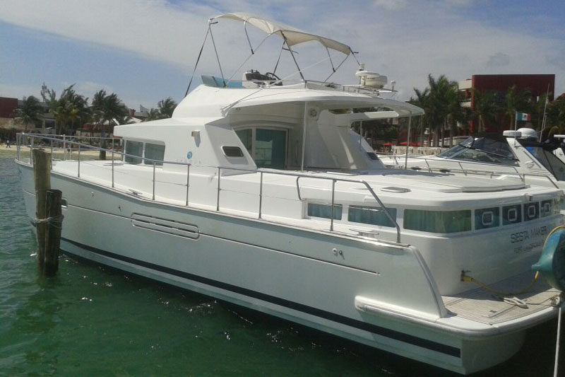 Catamarans SIESTA MAKER, Manufacturer: LAGOON, Model Year: 2004, Length: 43ft, Model: Lagoon Power 43, Condition: USED, Listing Status: Catamaran for Sale, Price: USD 324900
