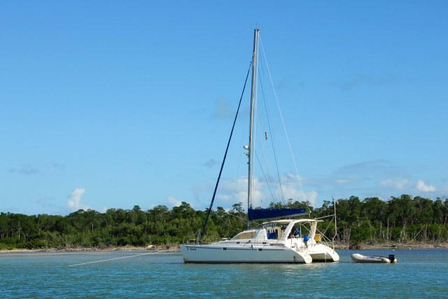 Catamarans HAIRBALL, Manufacturer: ROBERTSON & CAINE, Model Year: 1999, Length: 37ft, Model: Leopard 3800, Condition: USED, Listing Status: Catamaran for Sale, Price: USD 198000