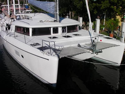 Catamarans SHAKEN NOT STERN, Manufacturer: LAGOON, Model Year: 2012, Length: 41ft, Model: Lagoon 421, Condition: Preowned, Listing Status: Catamaran for Sale, Price: USD 426000