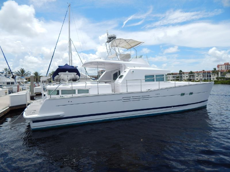 Catamarans CHESHIRE CAT, Manufacturer: LAGOON, Model Year: 2004, Length: 42ft, Model: Lagoon Power 43, Condition: USED, Listing Status: Catamaran for Sale, Price: USD 297500