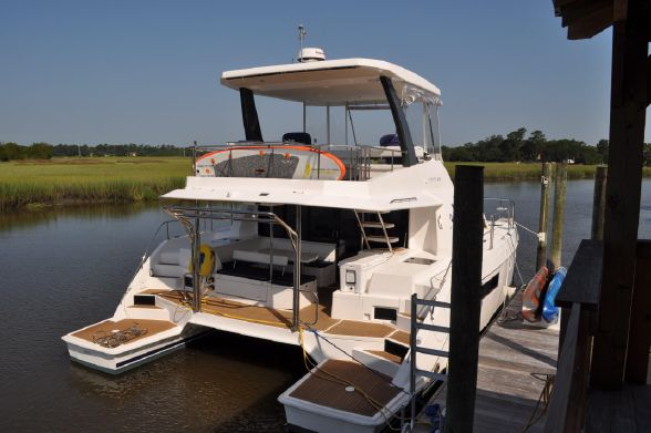 Preowned Power Catamarans for Sale 2016 LEOPARD 43 PC