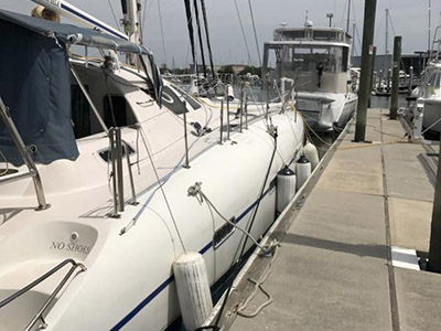 Preowned Sail Catamarans for Sale 2002 Dean 440