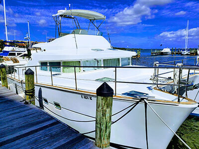 Used Power Catamaran for Sale 2004 Lagoon 43 Power