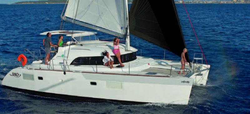 2016 Lagoon 380 For Sale in San Diego, California.  Asking $385,000